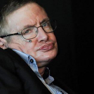 """Thiên tài vật lý Stephen Hawking """"ra đi"""" ở tuổi 76"""
