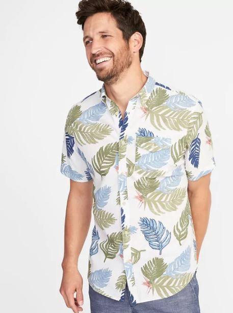 xu hướng thời trang hè 2018 old navy - printed short sleeve shirt - elle man 1