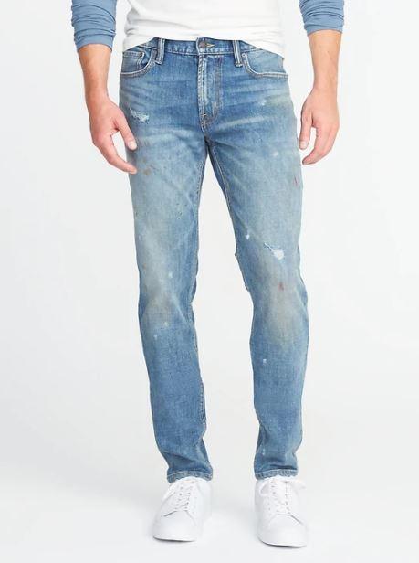 xu hướng thời trang hè 2018 old navy - relaxed slim built-in flex distress jeans - elle man 1