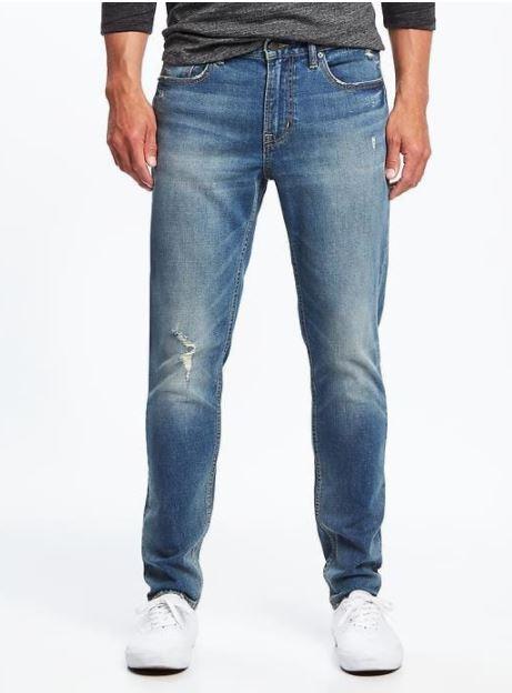 xu hướng thời trang hè 2018 old navy - relaxed slim built-in flex jeans - elle man 1
