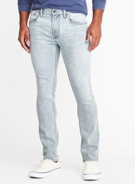 xu hướng thời trang hè 2018 old navy - slim all-temp built-in flex jeans - elle man 1