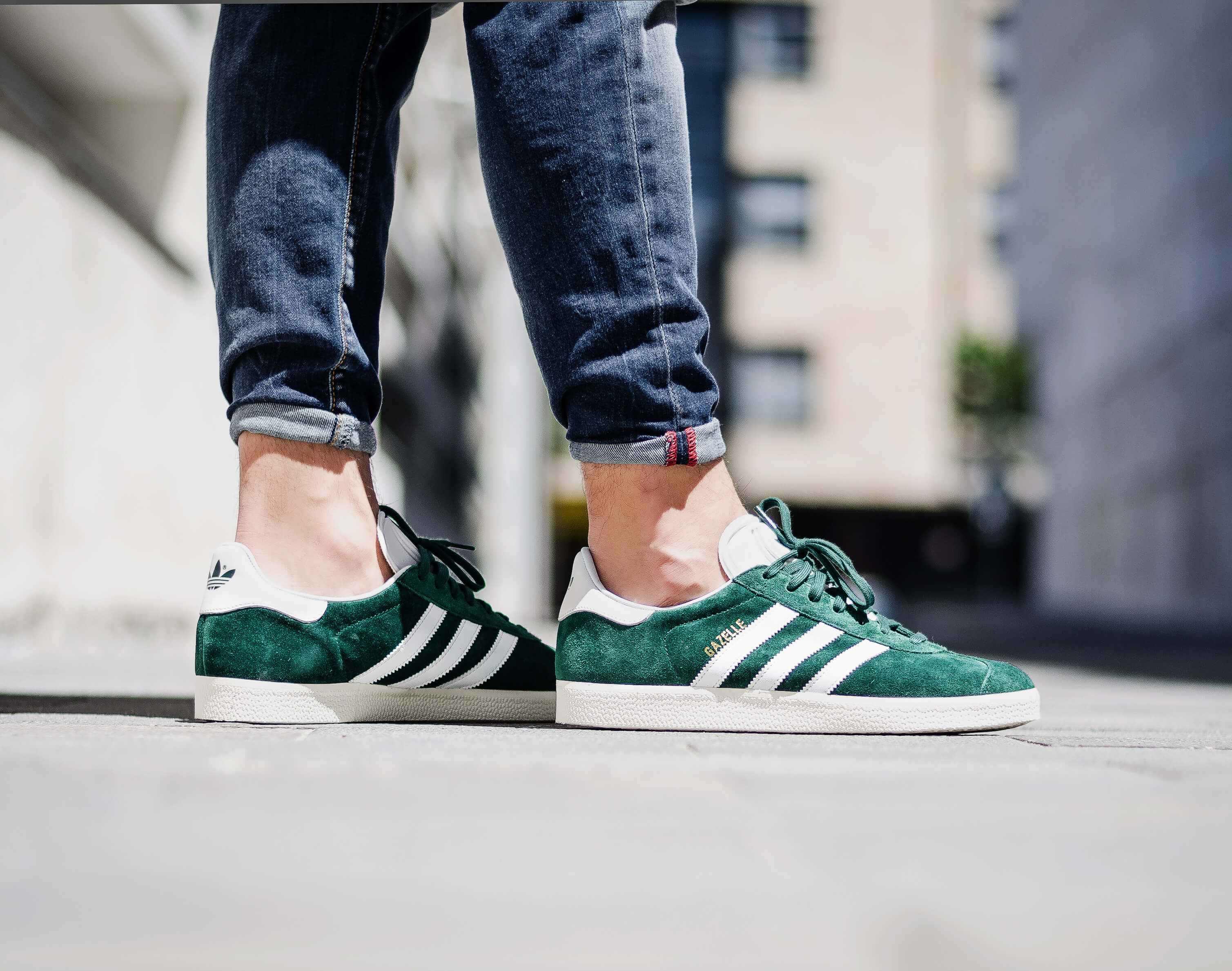xu hướng giày thể thao - 90s vibe - elle man 2