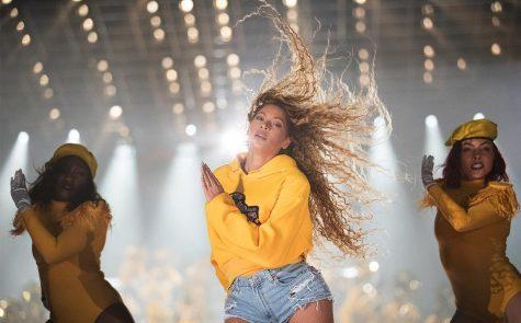 """""""Ong Chúa"""" Bey và thông điệp đặc biệt tại Coachella 2018: """"Trên cả một lễ hội"""""""