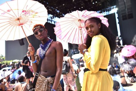 Lễ hội âm nhạc Coachella 2018 và phong cách thời trang đầy màu sắc