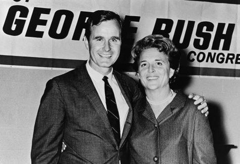 """Chuyện tình 70 năm của cựu Tổng thống """"Bush Cha"""" và Đệ nhất phu nhân quá cố"""