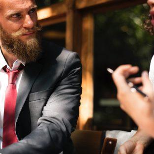 Quý ông hiện đại và quy tắc ứng xử trong các mối quan hệ (kỳ 1)