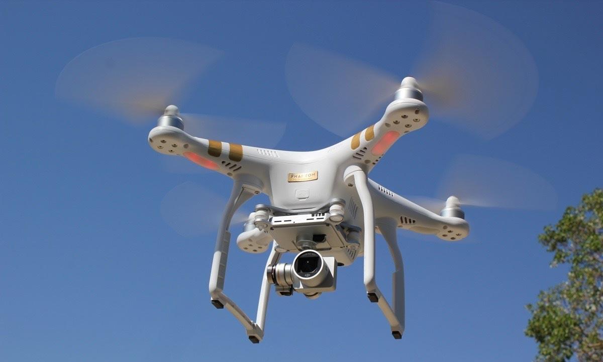 máy quay drone 21 elle man
