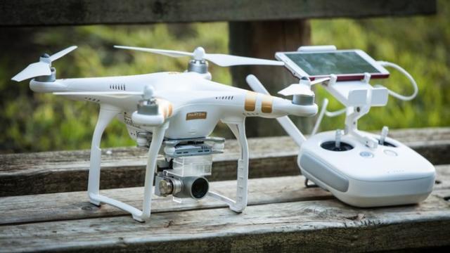 máy quay drone ee elle man