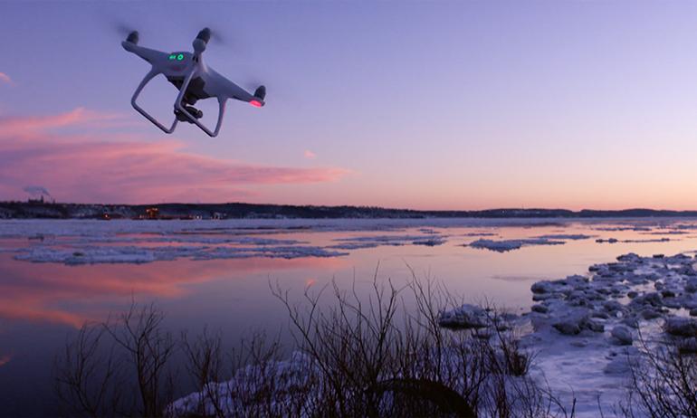 máy quay drone rt