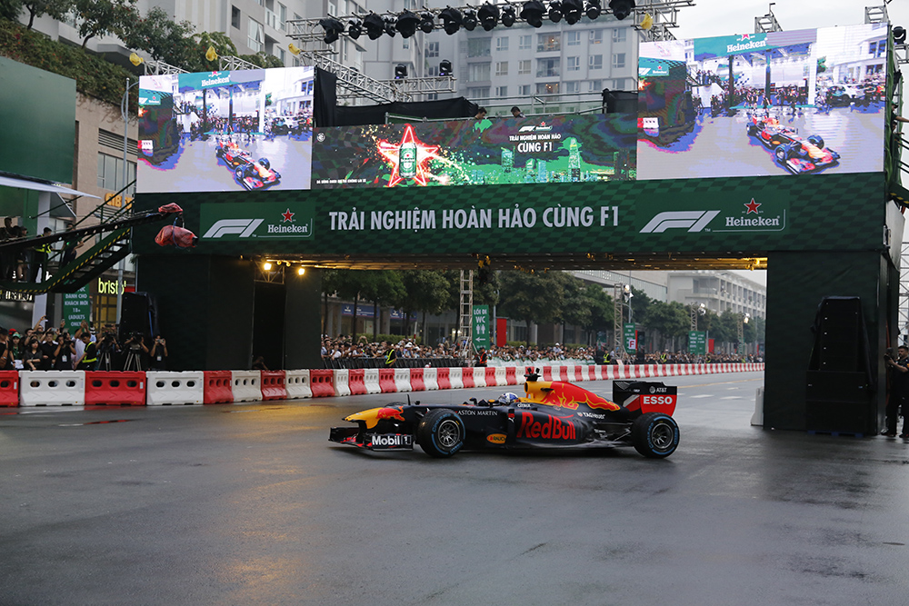 giai dua F1 - david coulthard - elle man 1.3