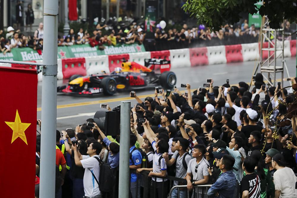 giai dua F1 - david coulthard - elle man 2