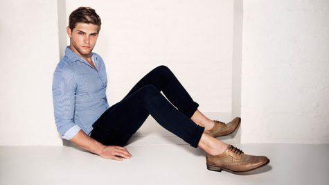 Quần nam đen và giày màu nâu: Phối sao đúng bài?