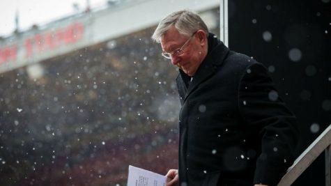 Huấn luyện viên Alex Ferguson trải qua phẫu thuật khẩn cấp