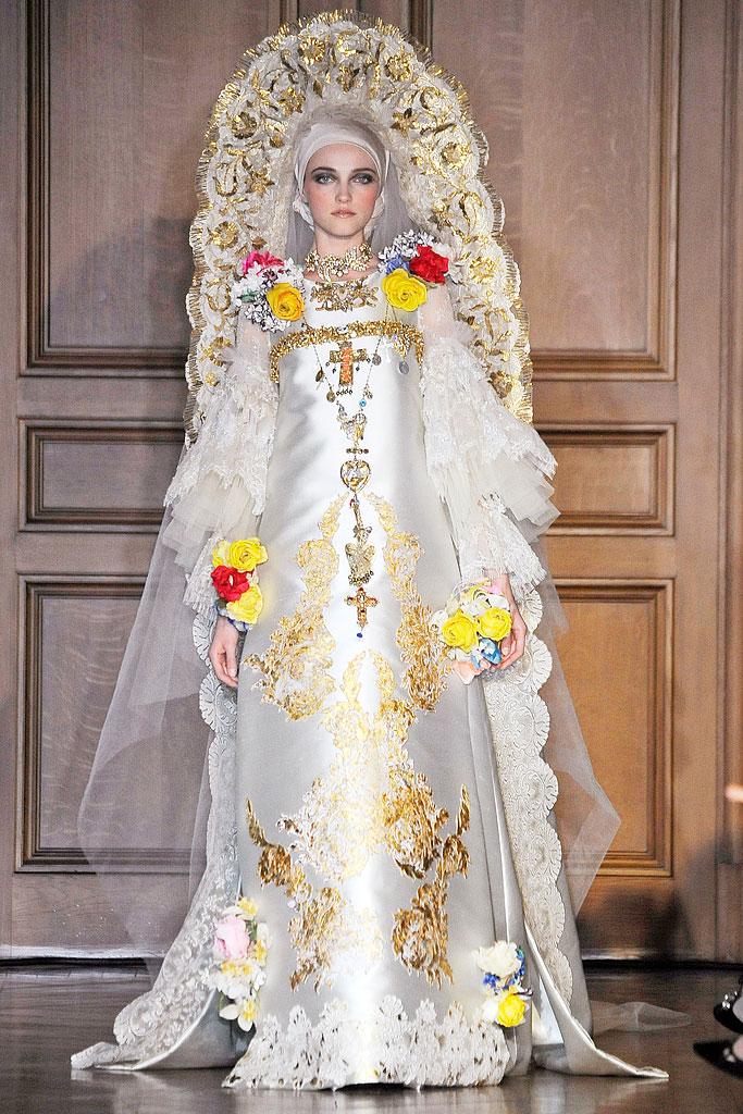 Met Gala 2018: Khi thời trang gặp gỡ tôn giáo