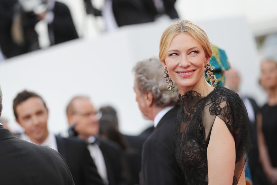 Liên hoan phim Cannes 2018 nóng với bê bối tình dục