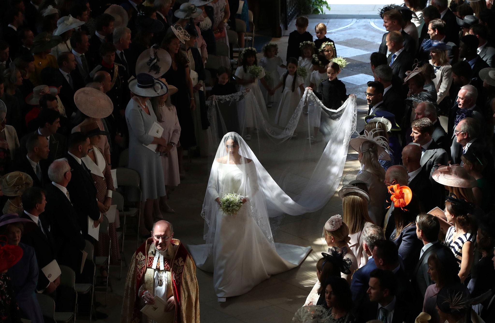 Bước đường chính thức trở thành thành viên hoàng gia.