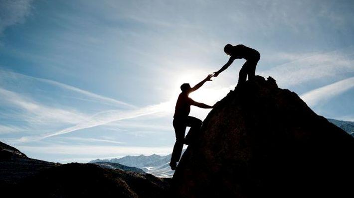 loi-the-cua-viec-co-mot-nguoi-ban-than-hay-noi-nham-elleman-5 Lợi thế của việc có một người bạn thân hay luyên thuyên nói nhảm