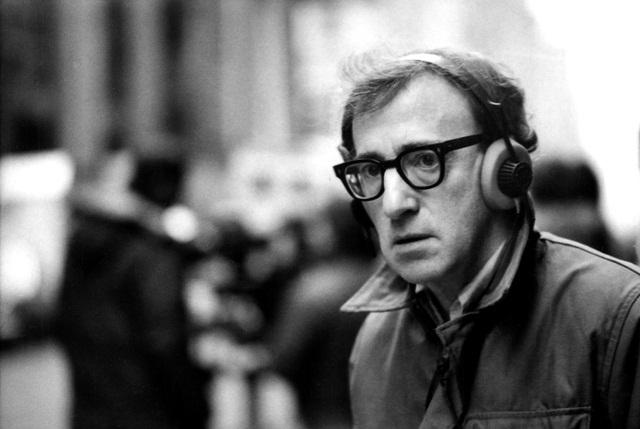 Woody Allen từng dính scandal bị cáo buộc lạm dụng con gái ông. Nguồn: Page Six.