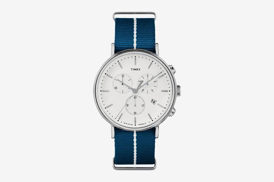 Đồng hồ đeo tay.