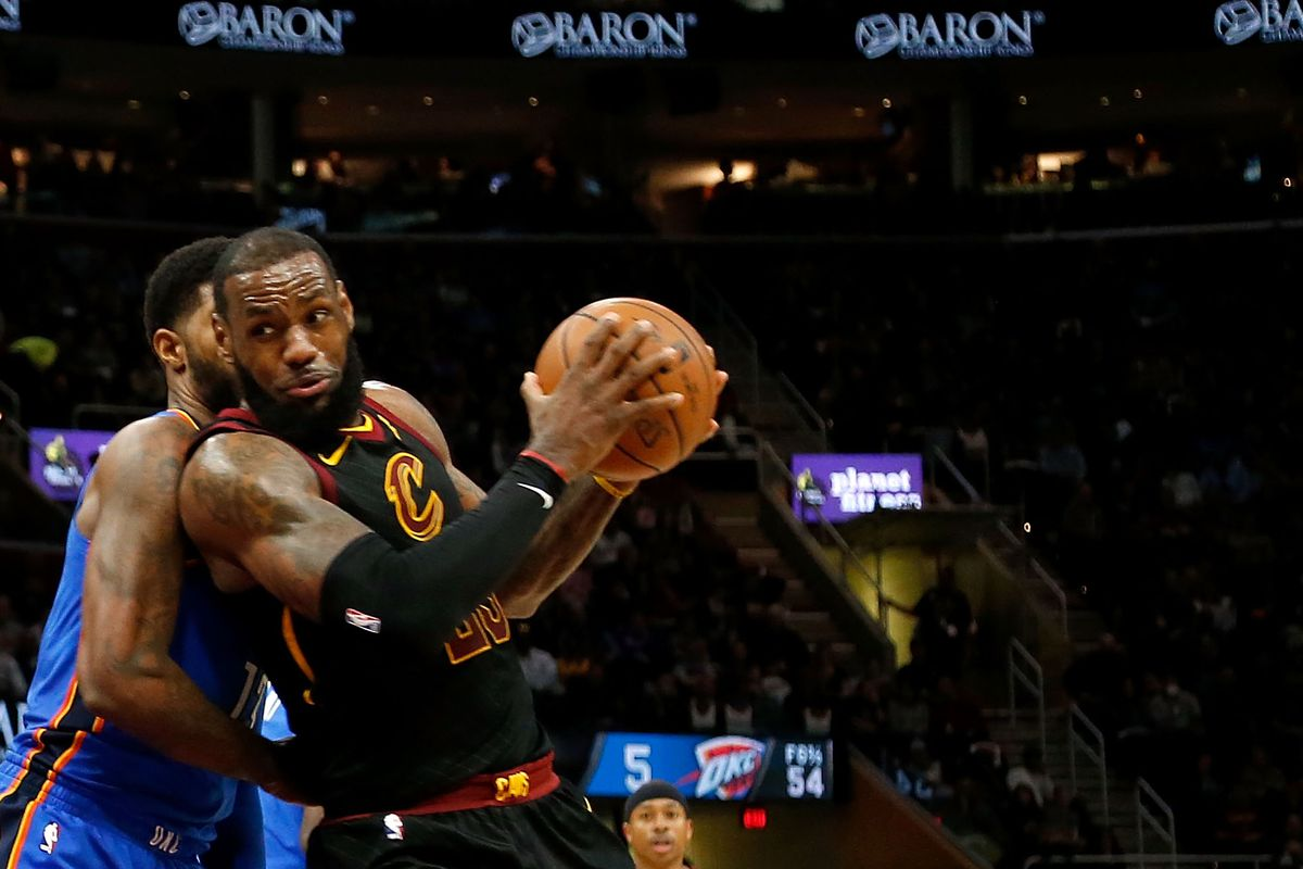 van dong vien lebron james source Kirk Irwin-Getty Images - elle man