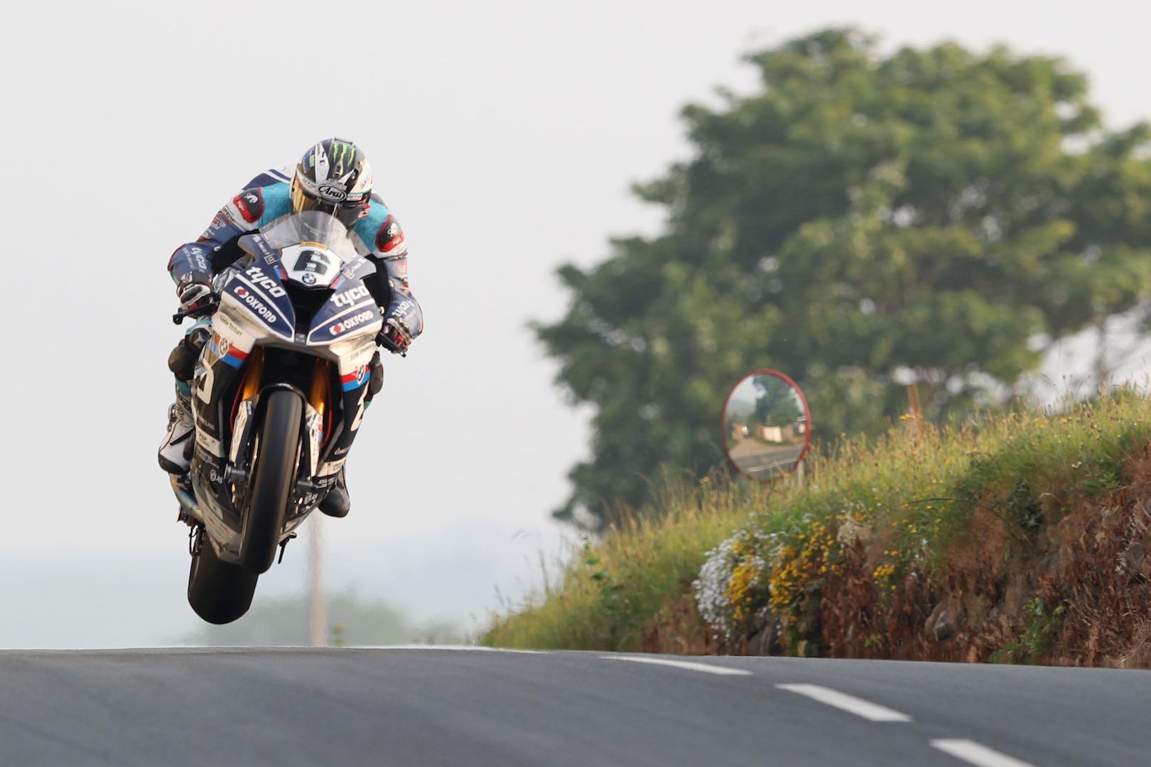 Cuộc đua Isle of Man TT 2018 (Nguồn: Ultimate Motorcycling)