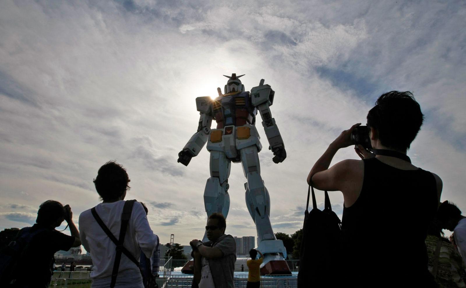 phim nguoi may Kim Kyung Hoon : Reuters - elle man 2