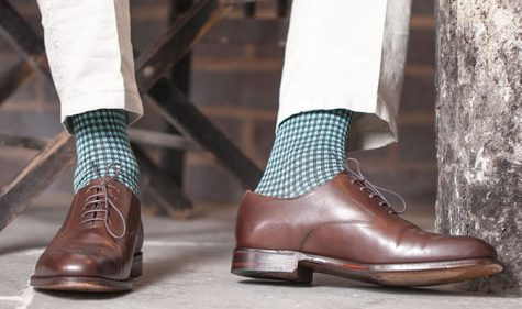 Việc kết hợp những kiểu vớ khác nhau cũng tạo nên phong cách thời trang độc đáo cho các chàng trai. Ảnh: Fashion beans