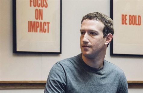 Mark thường xuyên dành thời gian giao lưu bên ngoài hơn là sử dụng facebook