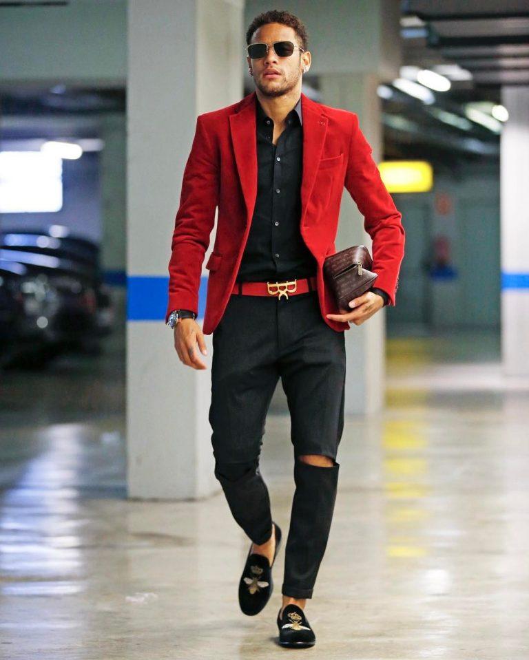 Neymar là một trong những cầu thủ mặc đẹp nhất thế giới. Ảnh: VIBZN