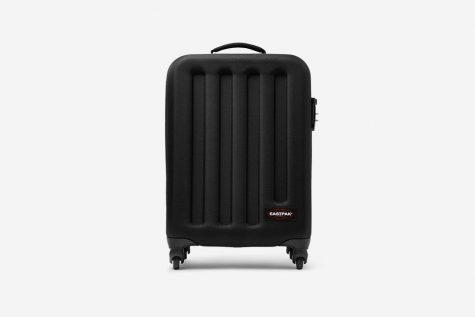 Với mức giá khoảng 200$, chiếc hành lý của thương hiệu EASTPAK sẽ là người bạn thân thiết tỏng mỗi chuyến du lịch của mọi quý ông. Ảnh: Highsnobiety