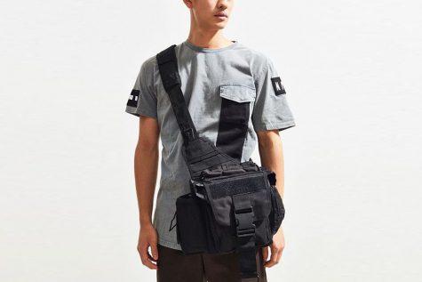 Đây sẽ lựa mẫu túi du lịch thích hợp cho những chàng trai thích phong cách thanh lịch nhưng vẫn giữ được nét cá tính mạnh mẽ. Ảnh: Highsnobiety