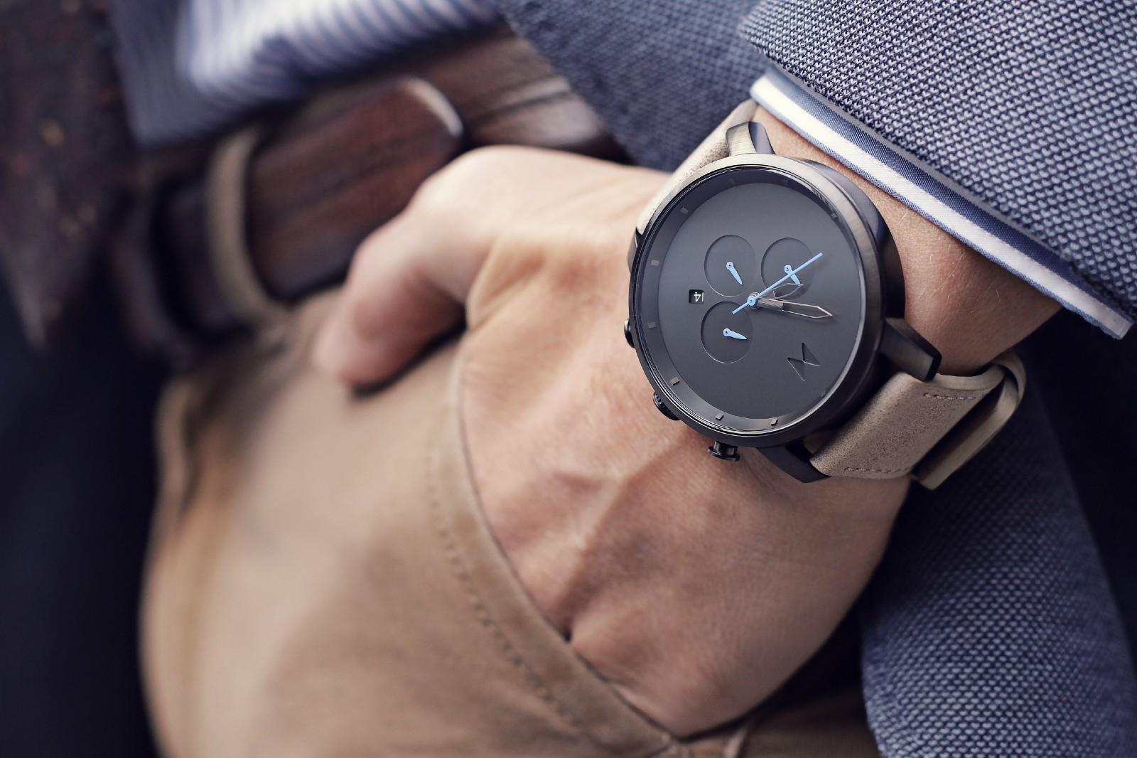 Những mẫu đồng hồ nam luôn mang lại sức hấp dẫn với phái đẹp. Ảnh: Medium
