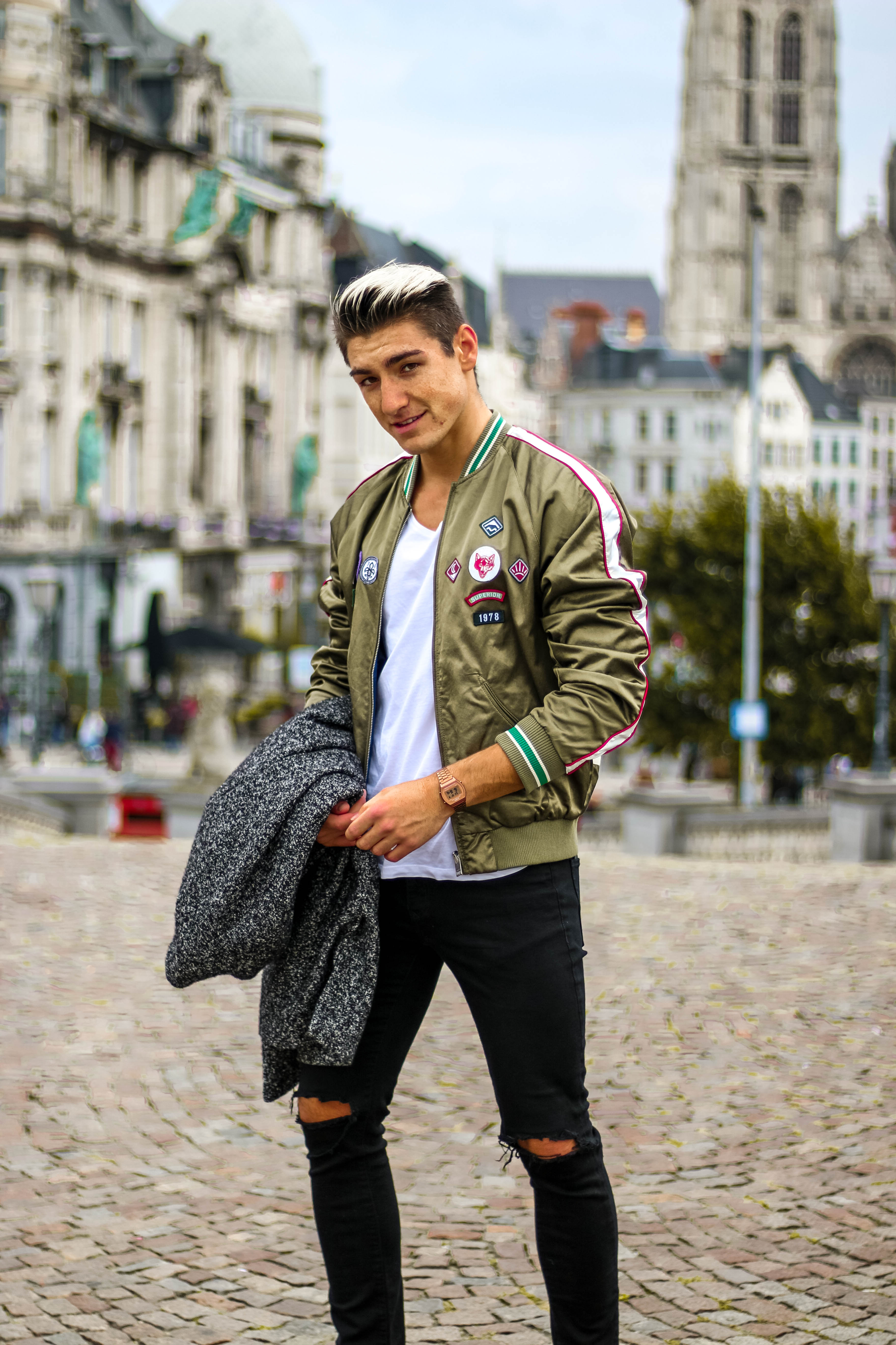 quan jeans rach & bomber photo Ruben Van De Sande - elle man 1