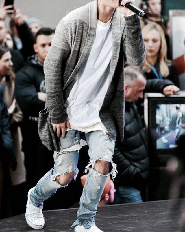 quan jeans rach - elle man 1