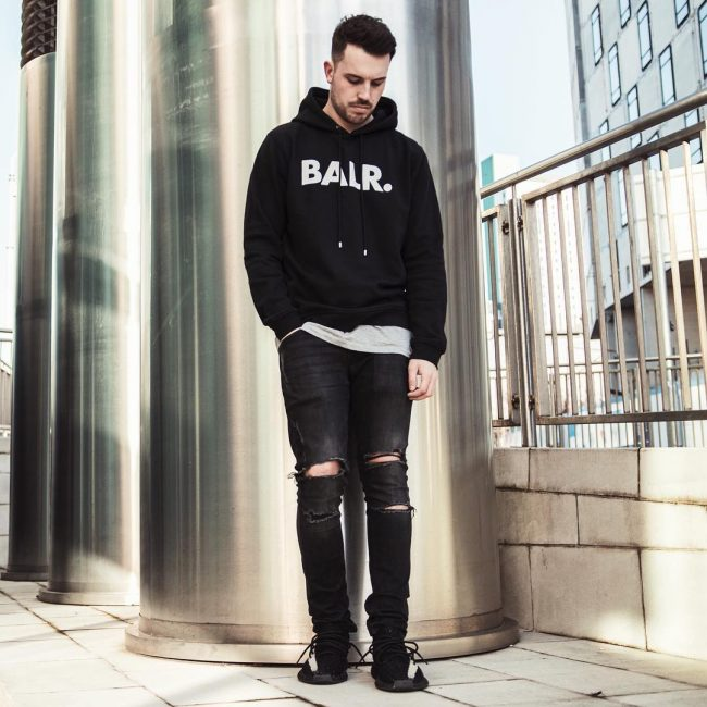 quan jeans rach & hoodie - elle man 1