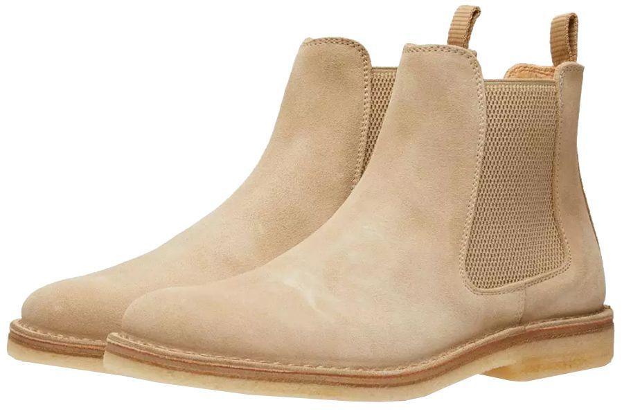 Chelsea Boot là mẫu giày nam phong cách cực kì thích hợp cho những ngày Chớm Thu. Ảnh: Esquire