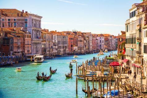 Du lịch Ý: Từ đường phố sinh động đến không gian tình yêu đậm chất châu Âu