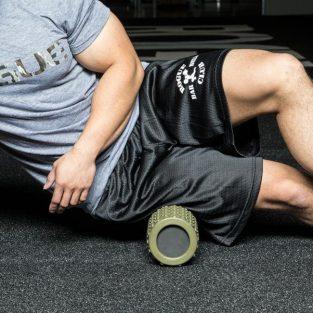 Ống lăn Foam Roller: Dụng cụ nên có sau các bài tập gym