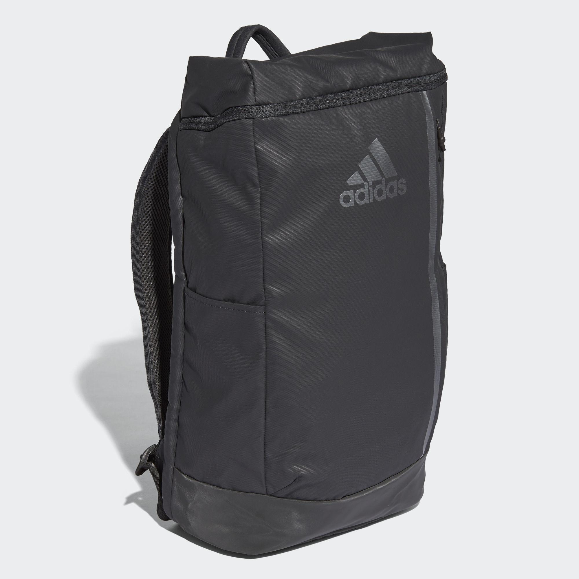 Mẫu túi TRAINING BACKPACK của adidas có giá 43 €. Ảnh: adidas