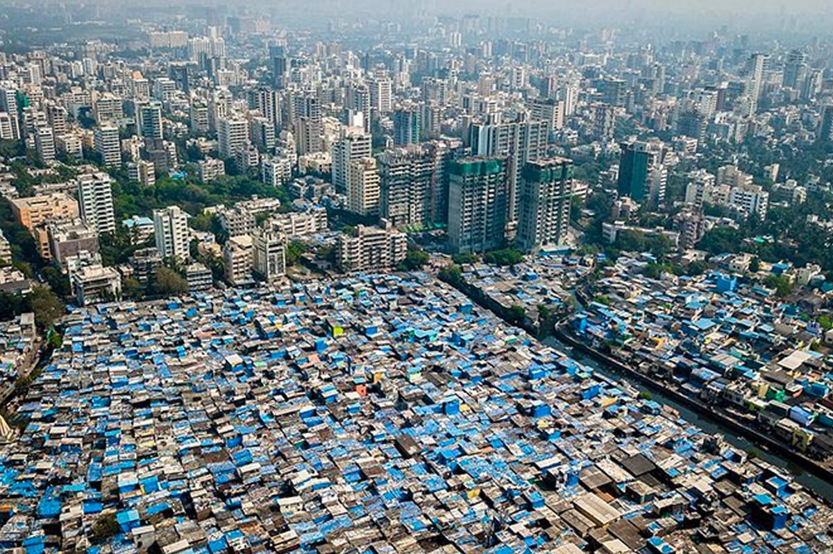 Bức ảnh chụp từ trên cao ở thành phố Mumbai. Ảnh: Johnny Miller