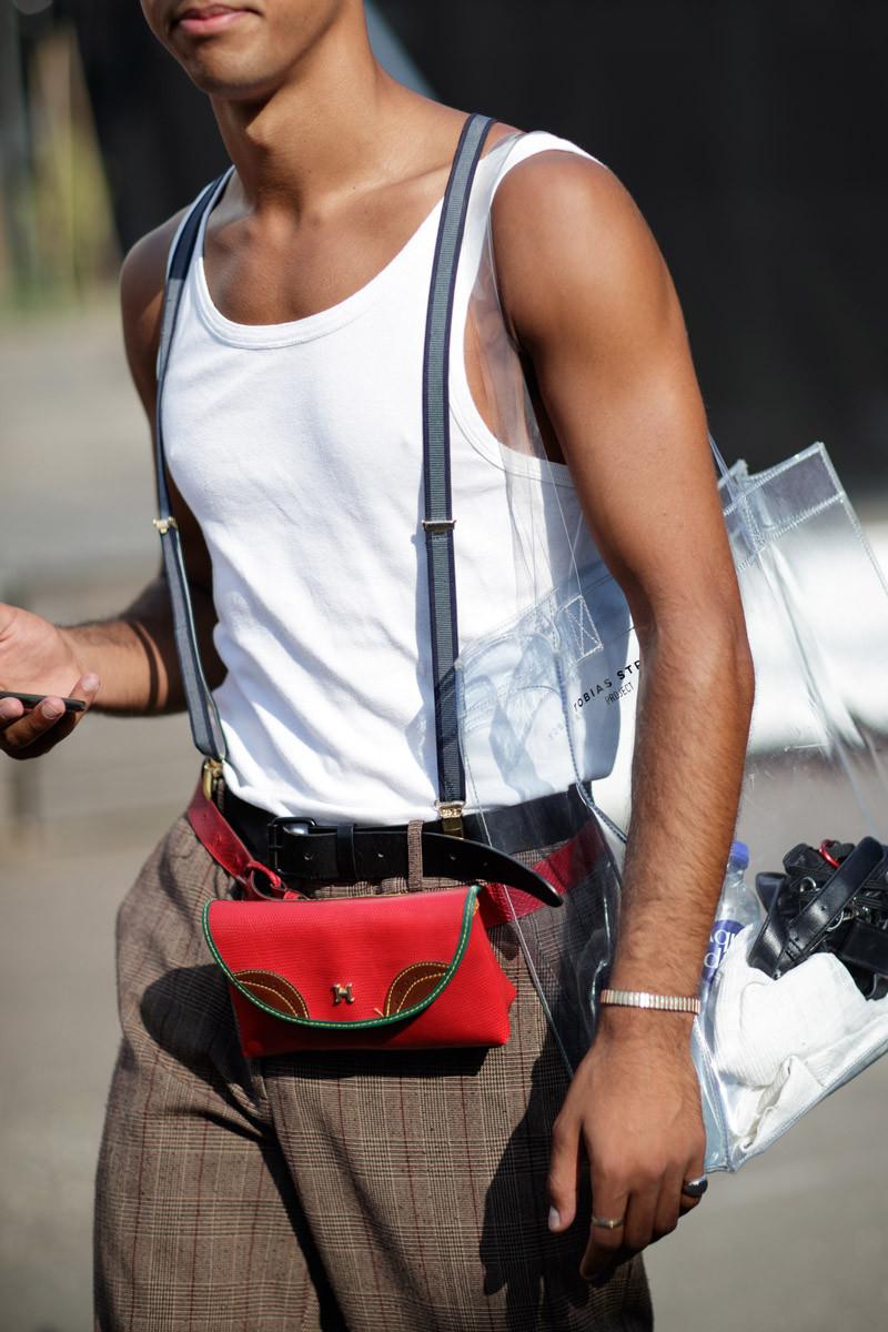 Chiếc túi nhựa thần thánh cũng xuất hiện ở Đan Mạch tuần qua. Ảnh: Eva Al Desnudo