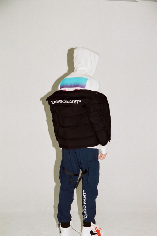 Tin tức thời trang của thương hiệu đình đám Off-White được cộng đồng street style đón nhận mạnh mẽ. Ảnh: ALEX HAU