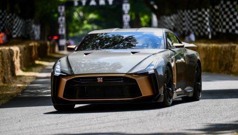 Siêu phẩm Nissan GT-R50: Lời thách thức cho mọi giới hạn