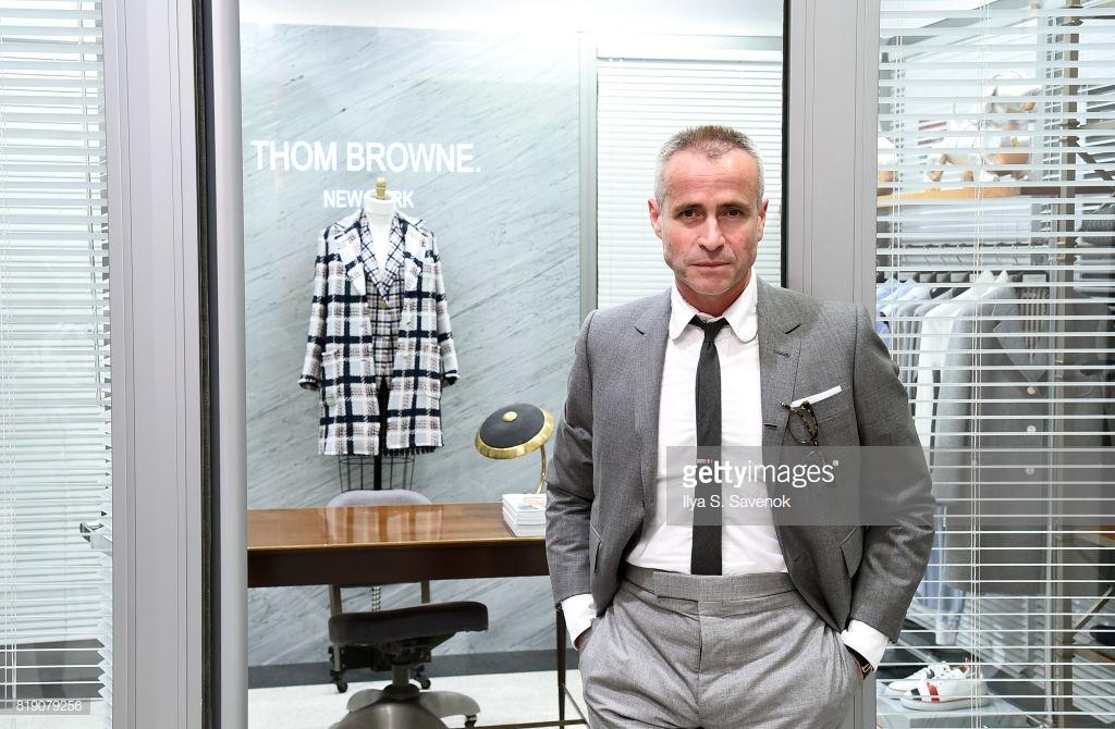 Nhà thiết kế Thom Browne vẫn sẽ điều hành thương hiệu mang tên mình với tư cách giám đốc sáng tạo cùng với Giám đốc điều hành Rodrigo Bazan. (Ảnh: Getty Images)