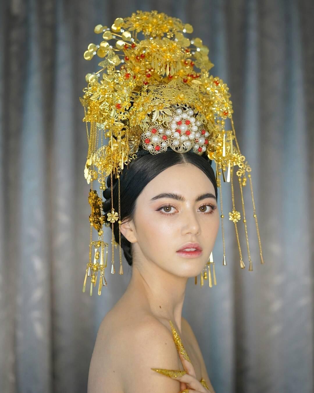 tai khoan instagram hot girl thai lan - Davikah - elle man 1