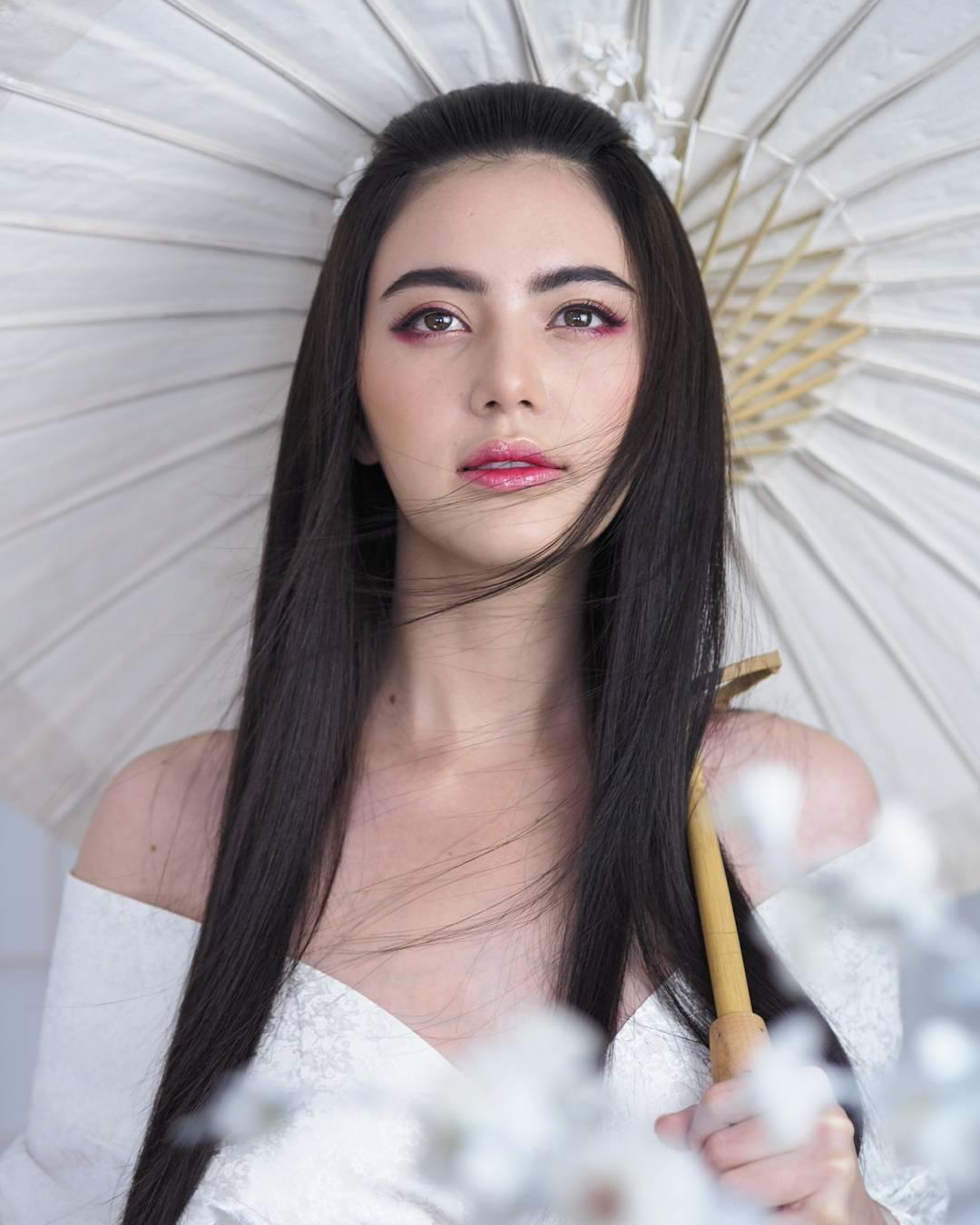 tai khoan instagram hot girl thai lan - Davikah - elle man 3