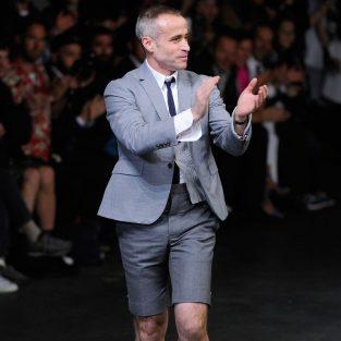 Thương hiệu thời trang Thom Browne chính thức bị bán lại với giá 500 triệu đô la