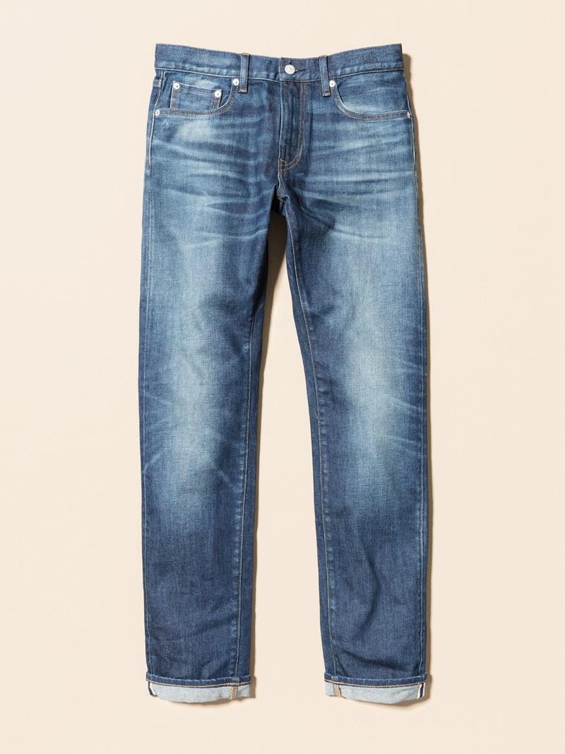 Mức giá 50$ là con số lý tưởng để sở hữu chiếc quần jeans nam slim fit của Uniglo. Ảnh: GQ