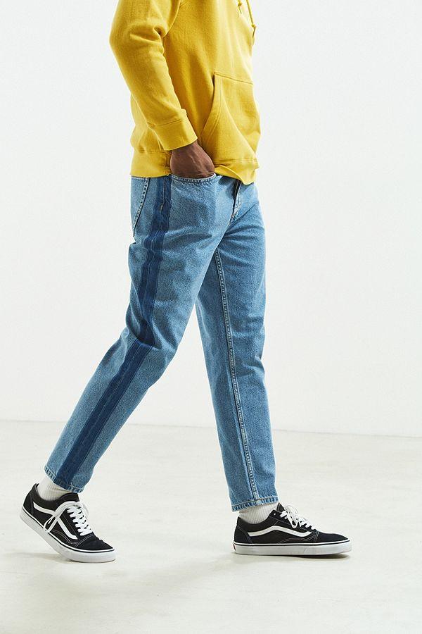 Mẫu quần BDG side stripe dad jean có giá 59$. Ảnh: Urban Outfitters