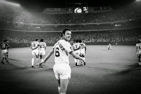 Franz Beckenbauer: Hoàng đế chỉ có một!